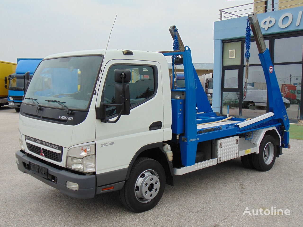 грузовик бункеровоз MITSUBISHI FUSO CANTER 7C18